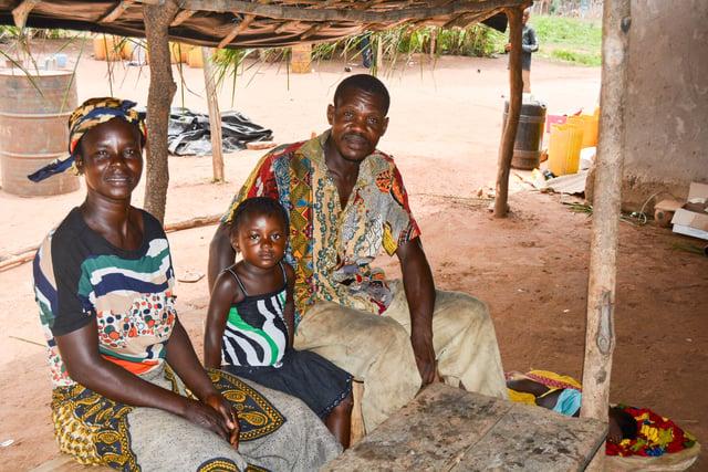 KOUADIO Jean-Claude and YAO Amoin Pauline with their kid in KANANGO AHOB.jpg
