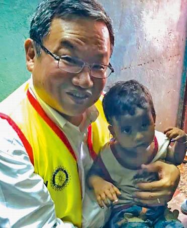 Steve_Stirling_Polio_Vacine_India.jpg